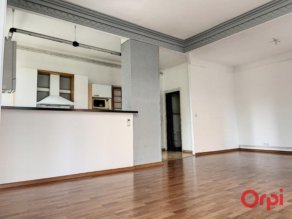 Appartement à louer 3 87m2 à Perpignan vignette-2