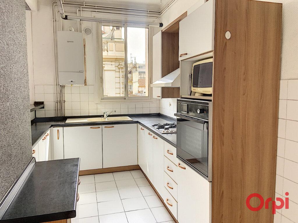 Appartement à louer 3 87m2 à Perpignan vignette-3