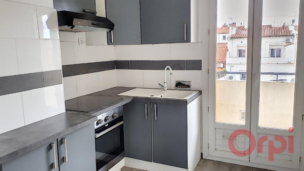 Appartement à louer 3 54.51m2 à Perpignan vignette-3
