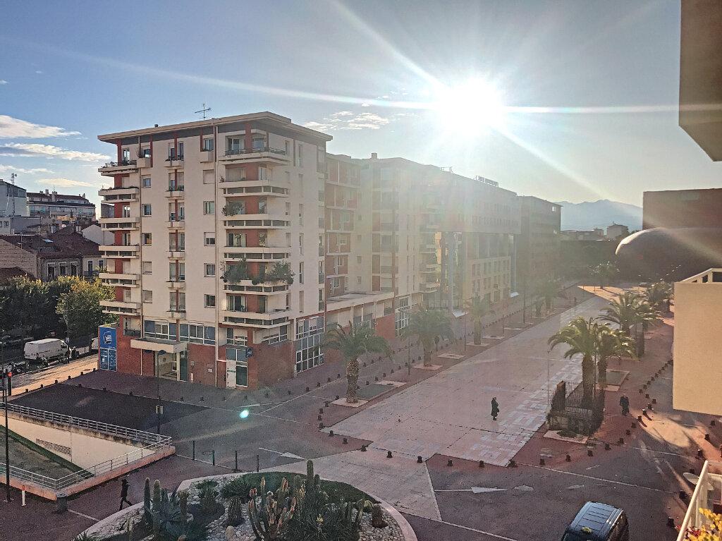 Appartement à vendre 3 69m2 à Perpignan vignette-2