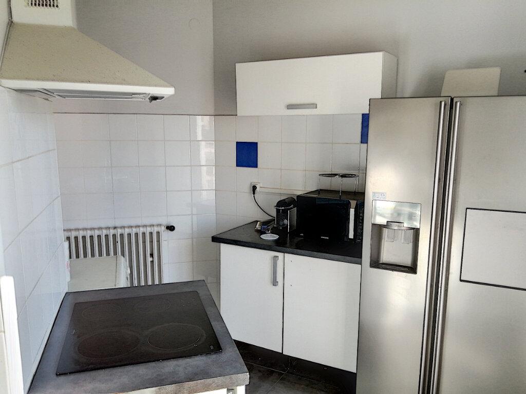 Appartement à vendre 2 65m2 à Perpignan vignette-3