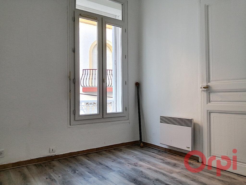 Appartement à louer 3 40.48m2 à Perpignan vignette-4