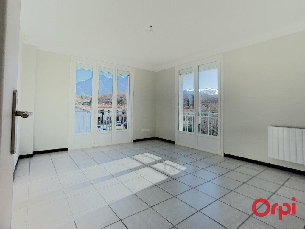 Appartement à louer 3 68.9m2 à Prades vignette-4