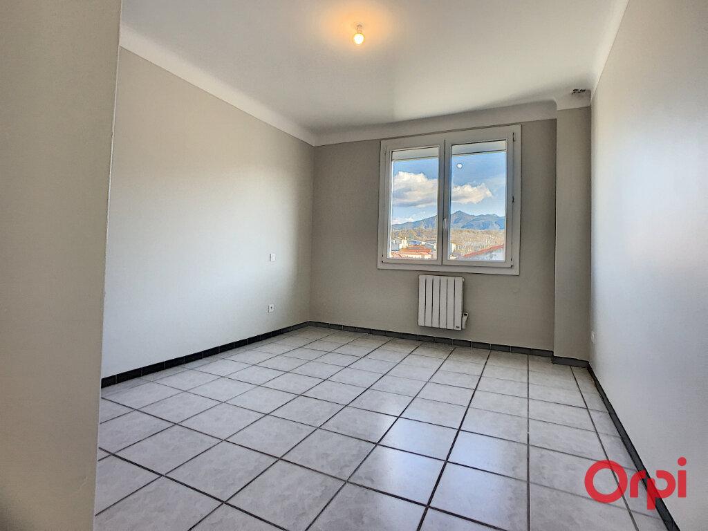 Appartement à louer 3 68.9m2 à Prades vignette-5