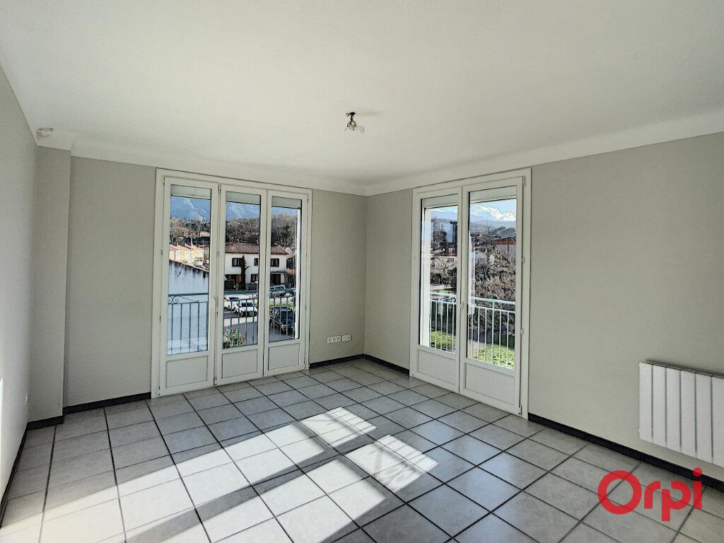 Appartement à louer 3 68.9m2 à Prades vignette-6