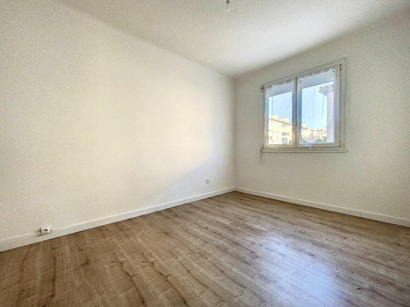 Appartement à louer 2 40.52m2 à Perpignan vignette-4
