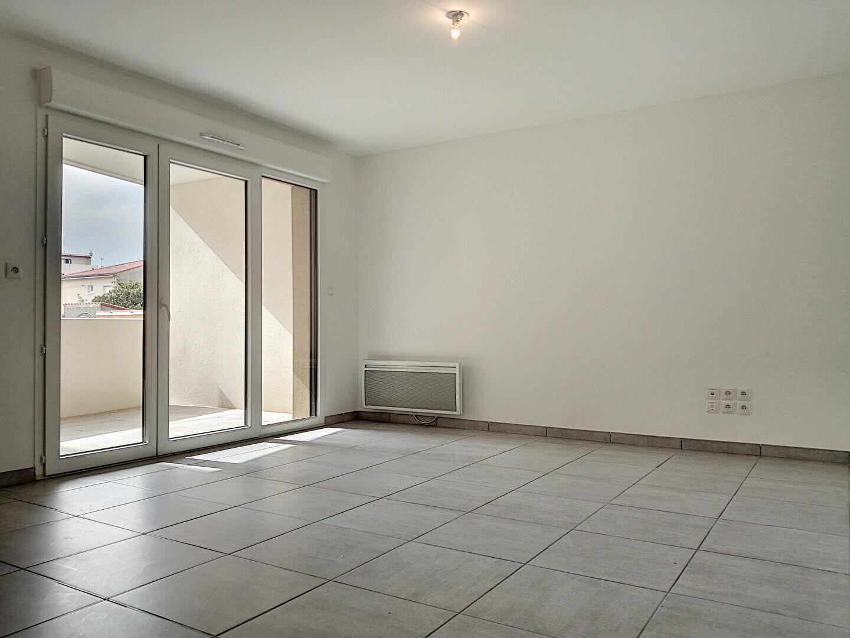 Appartement à louer 2 45.01m2 à Perpignan vignette-2