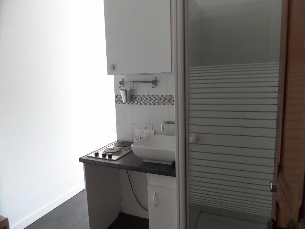 Appartement à louer 1 12m2 à Enghien-les-Bains vignette-5