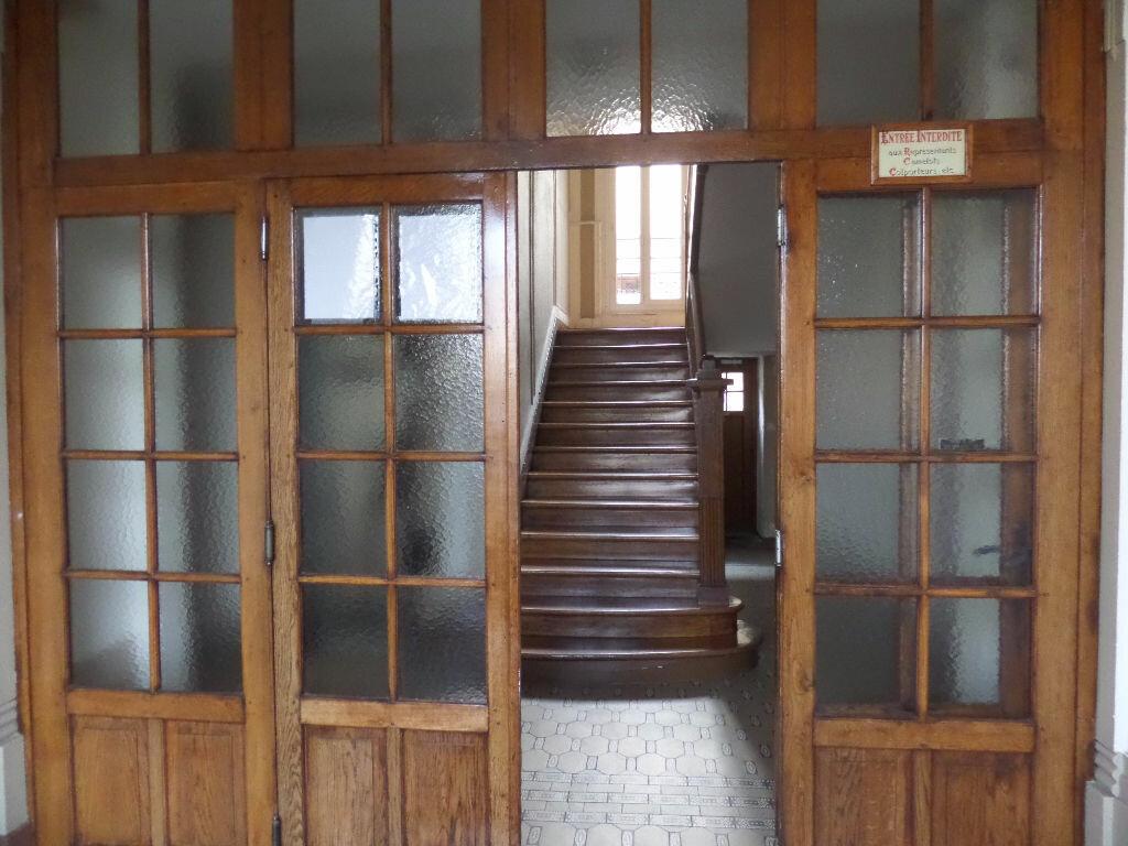 Appartement à louer 1 12m2 à Enghien-les-Bains vignette-8