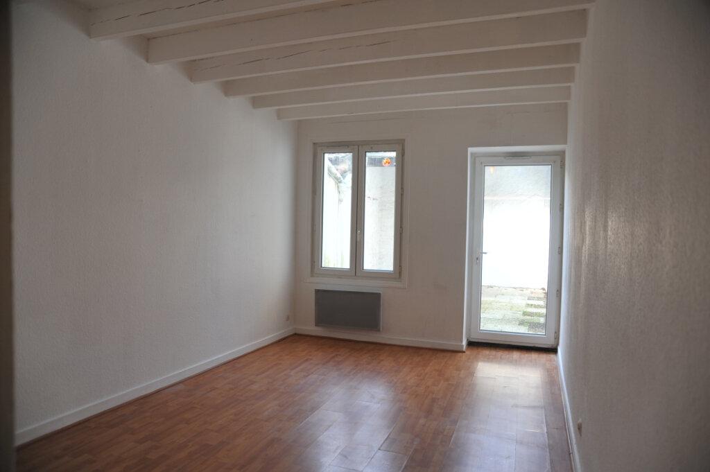Maison à louer 4 78m2 à Surgères vignette-5