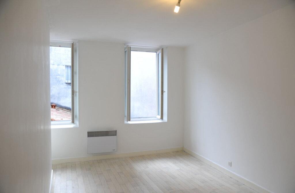Maison à louer 4 78m2 à Surgères vignette-6