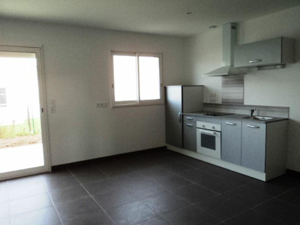 Maison à louer 3 76m2 à Surgères vignette-2