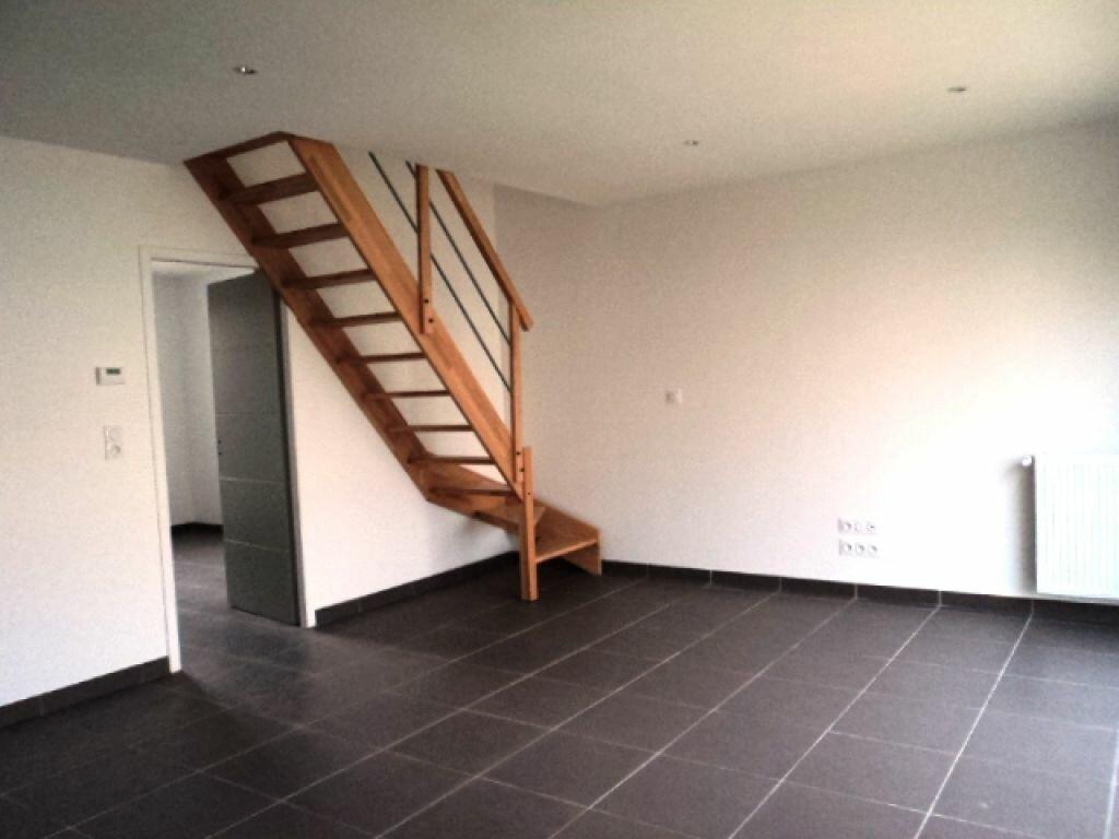 Maison à louer 3 76m2 à Surgères vignette-3