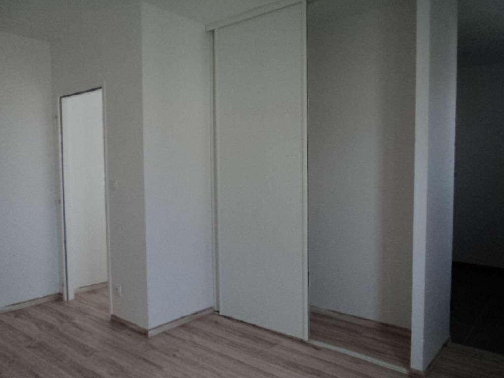 Maison à louer 3 76m2 à Surgères vignette-6