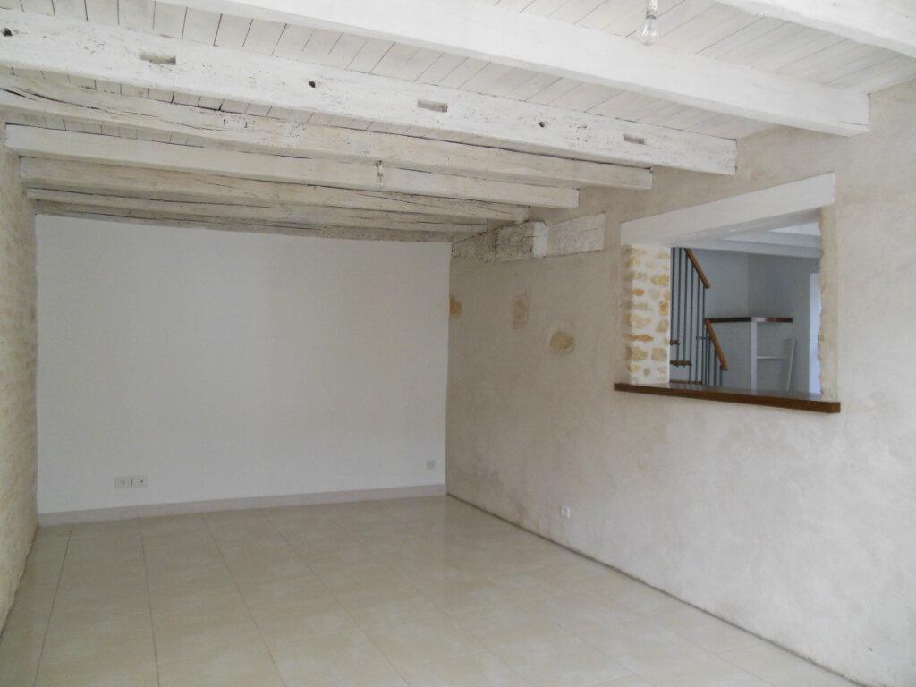 Maison à louer 4 101m2 à Vandré vignette-2