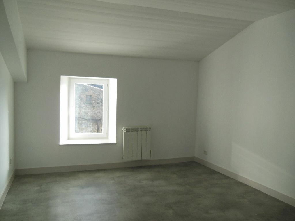 Maison à louer 4 101m2 à Vandré vignette-6