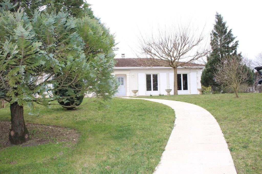 Maison à vendre 6 190m2 à Blanzac-lès-Matha vignette-5
