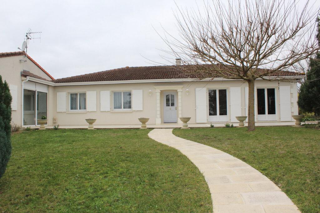 Maison à vendre 6 190m2 à Blanzac-lès-Matha vignette-6