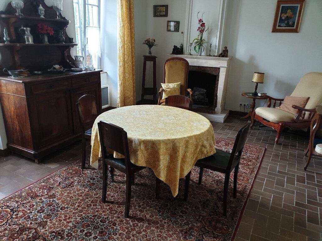 Maison à vendre 10 243m2 à Le Thou vignette-1