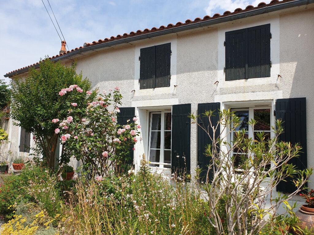 Maison à vendre 10 243m2 à Le Thou vignette-2