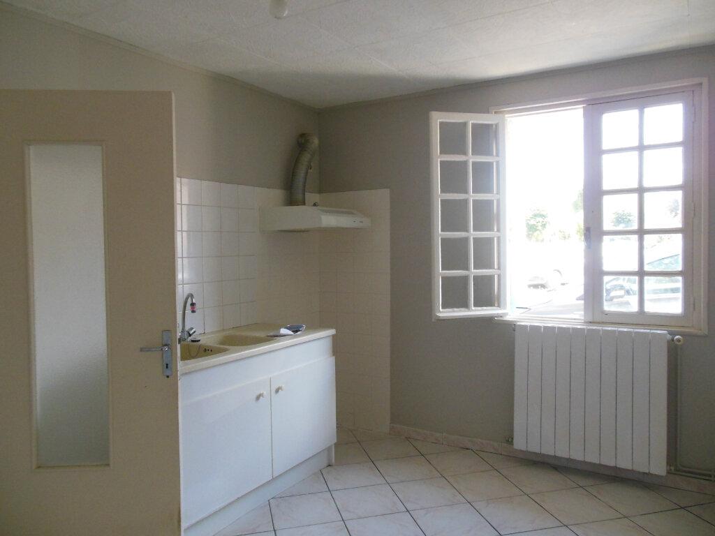 Maison à louer 3 62m2 à Saint-Georges-du-Bois vignette-2