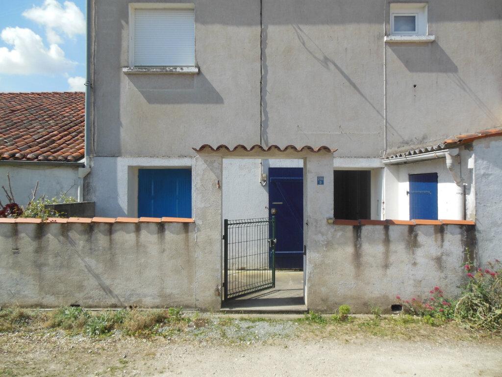 Maison à louer 3 62m2 à Saint-Georges-du-Bois vignette-8
