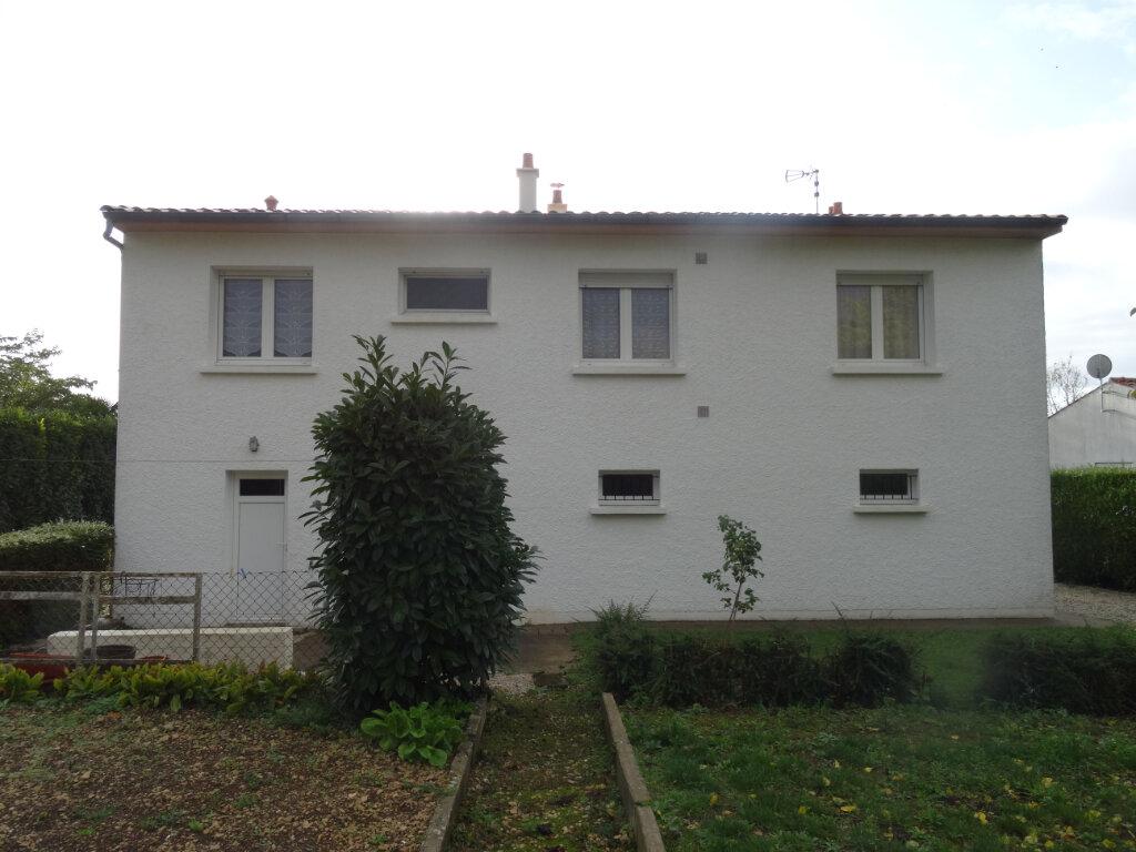 Maison à vendre 5 104m2 à Surgères vignette-2
