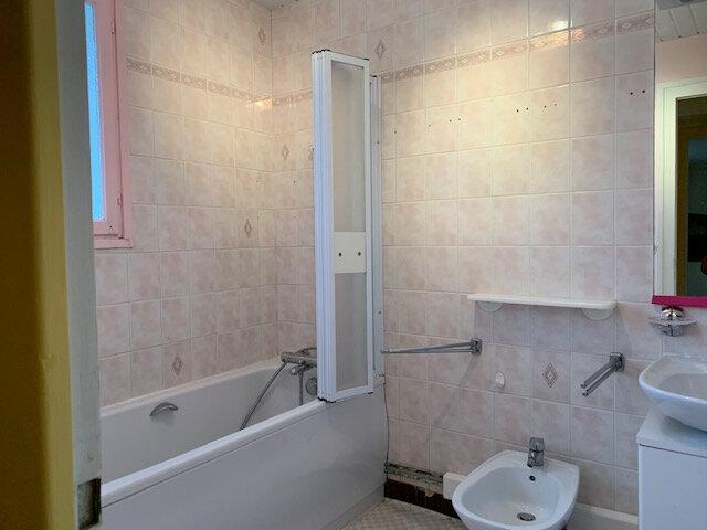 Maison à louer 7 184m2 à Saint-Georges-du-Bois vignette-6