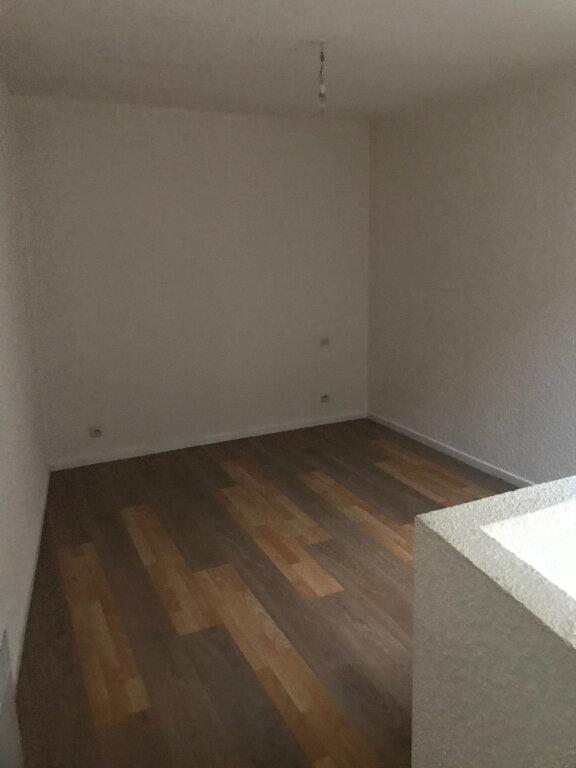 Appartement à louer 3 65m2 à La Laigne vignette-6