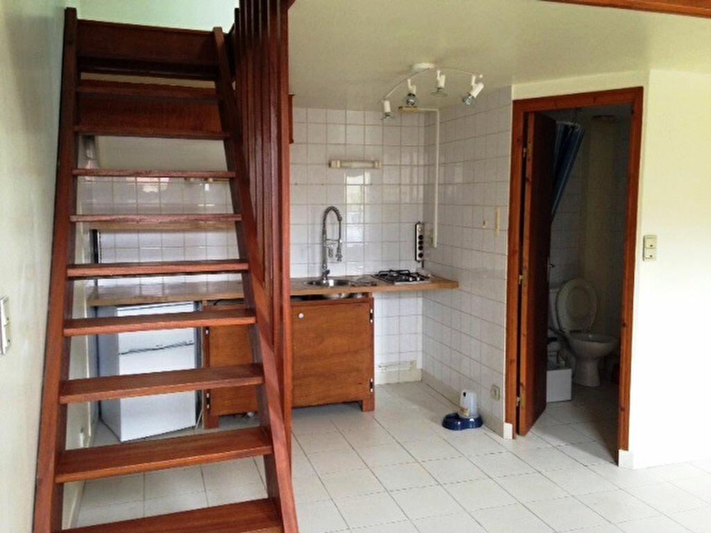 Appartement à louer 1 28m2 à La Ferté-Saint-Aubin vignette-3