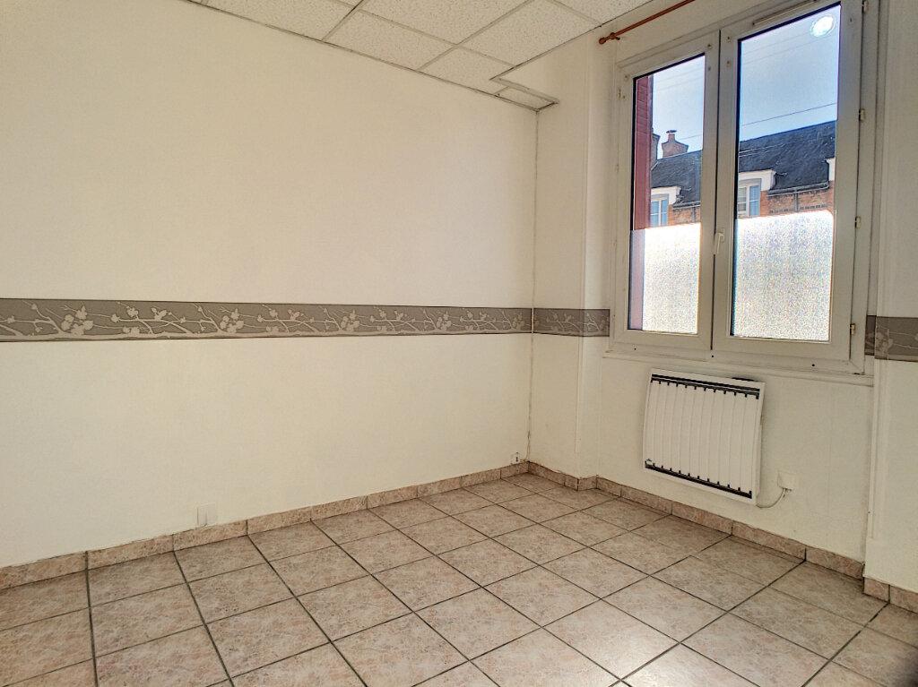 Appartement à louer 3 48m2 à La Ferté-Saint-Aubin vignette-4