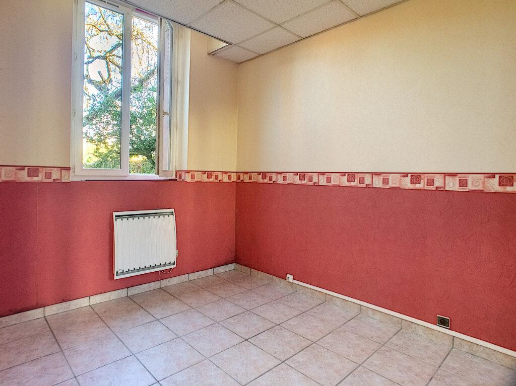 Appartement à louer 3 48m2 à La Ferté-Saint-Aubin vignette-5