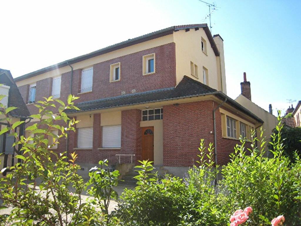 Appartement à louer 1 30m2 à La Ferté-Saint-Aubin vignette-8