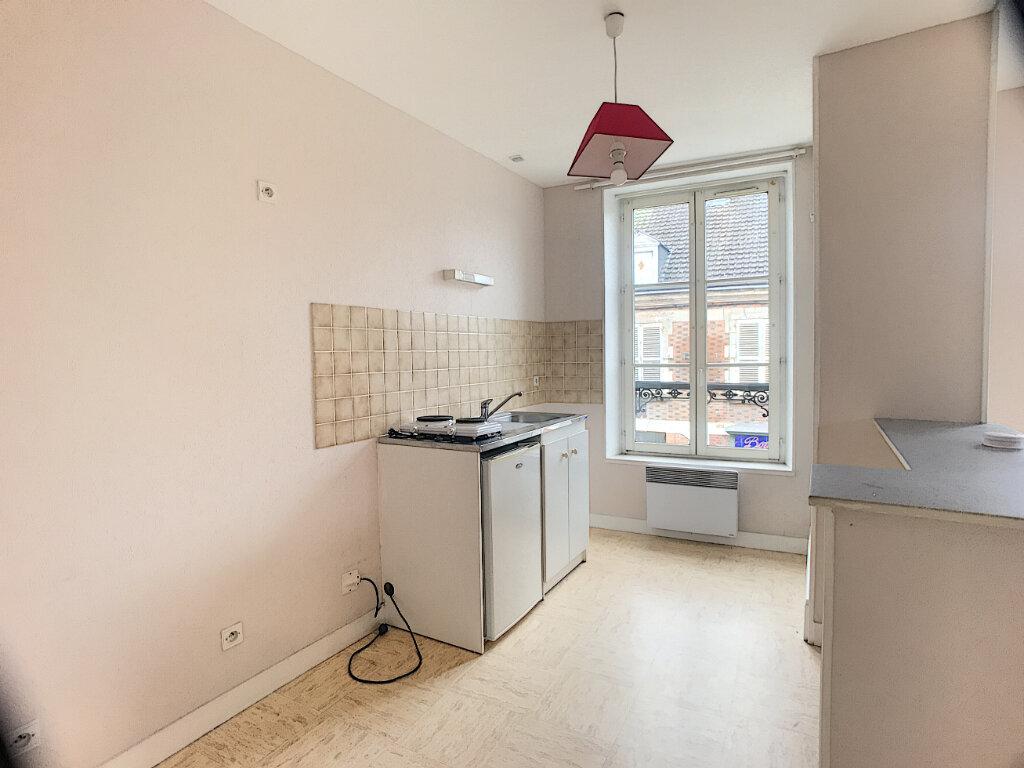 Appartement à louer 1 29m2 à La Ferté-Saint-Aubin vignette-5
