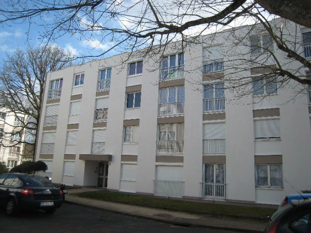 Appartement à louer 1 32m2 à Orléans vignette-1