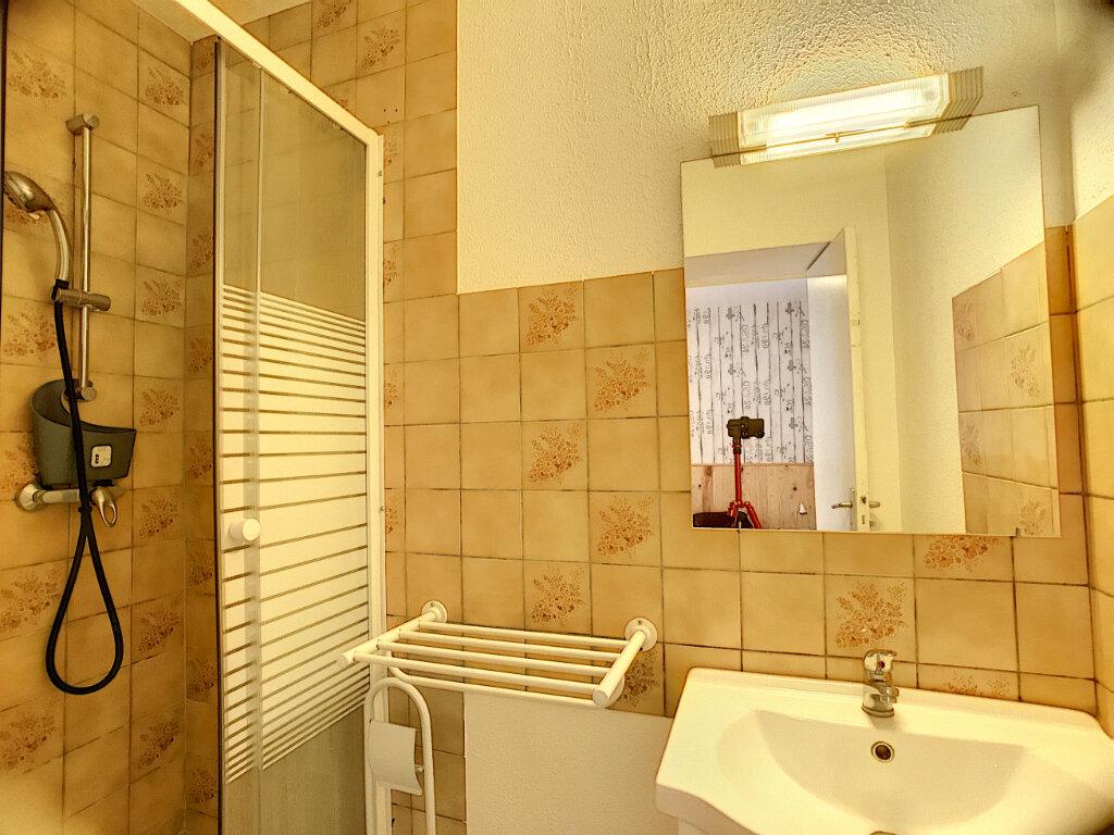 Appartement à louer 1 30m2 à Vouzon vignette-6