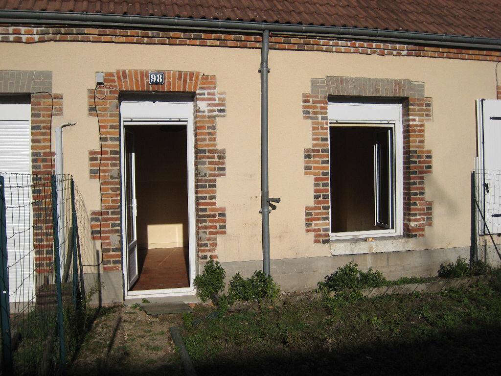 Maison à louer 1 29m2 à La Ferté-Saint-Aubin vignette-4