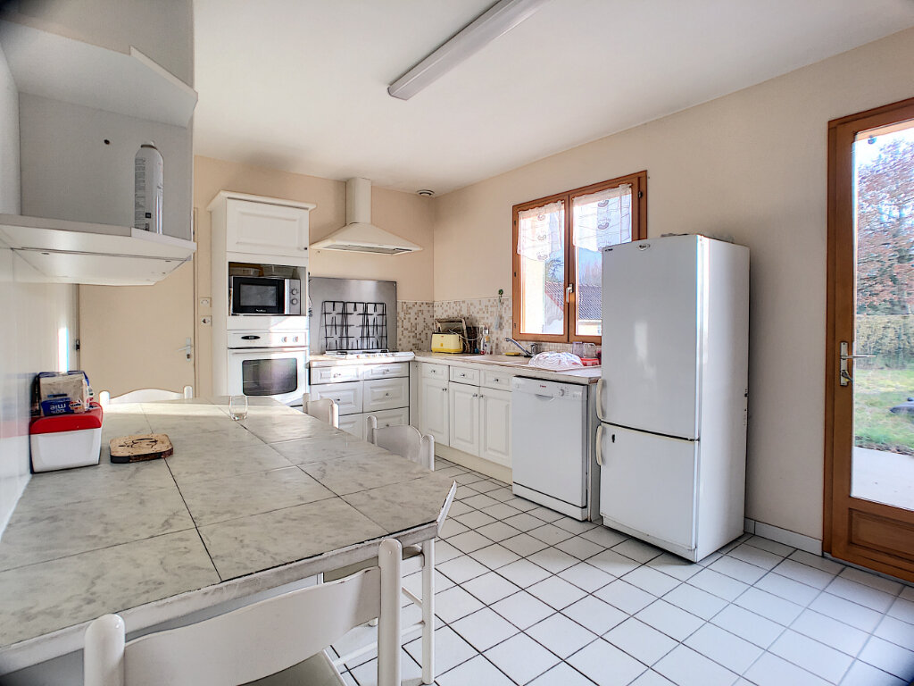 Maison à vendre 7 119m2 à Marcilly-en-Villette vignette-5