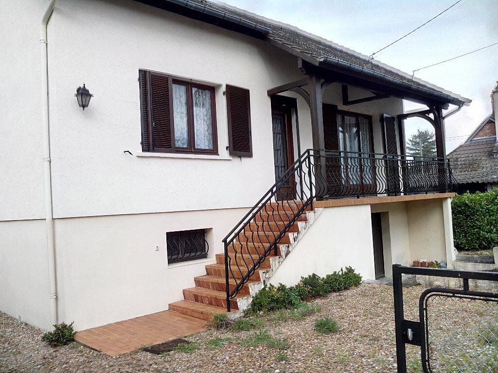 Maison à vendre 7 116.58m2 à Brinon-sur-Sauldre vignette-1