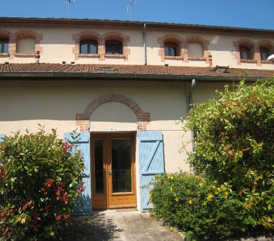 Appartement à louer 3 65m2 à La Ferté-Saint-Aubin vignette-2