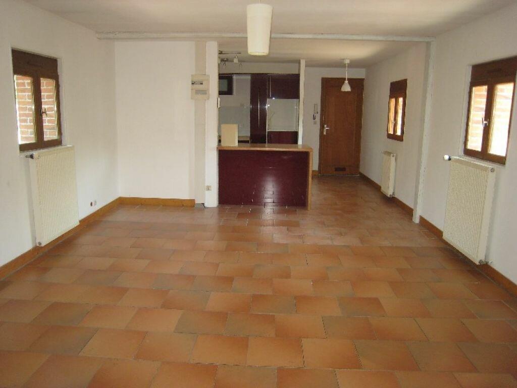 Appartement à louer 3 65m2 à La Ferté-Saint-Aubin vignette-4