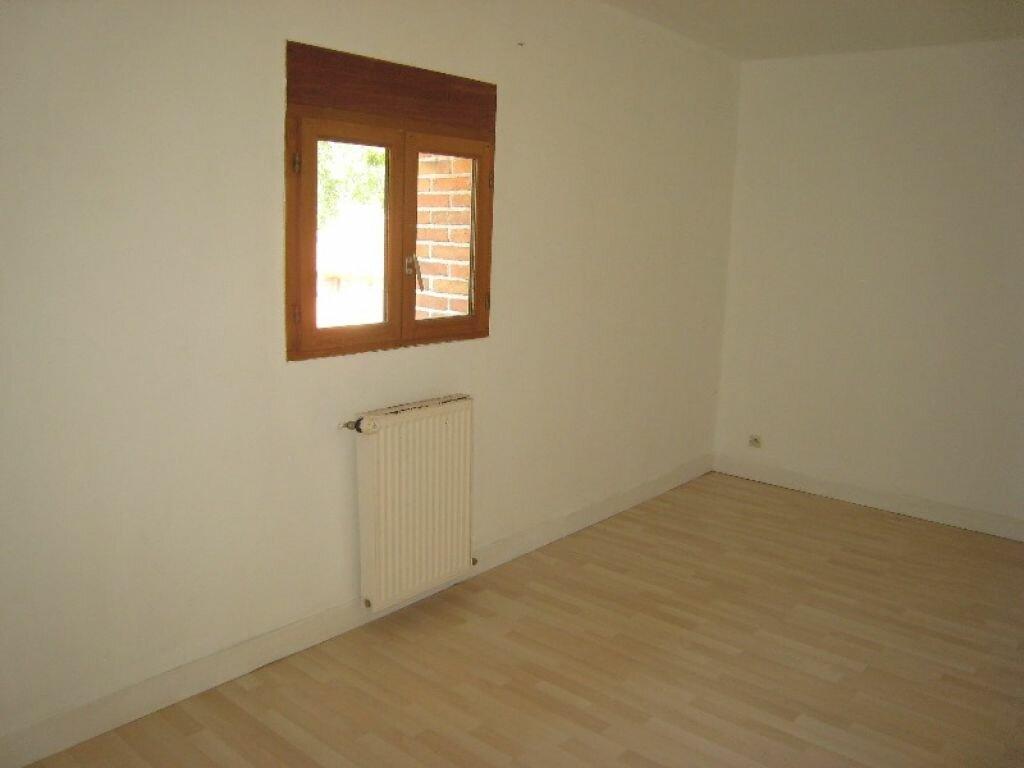 Appartement à louer 3 65m2 à La Ferté-Saint-Aubin vignette-5