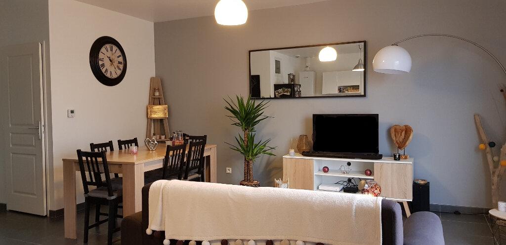 Appartement à louer 3 56m2 à La Ferté-Saint-Aubin vignette-3