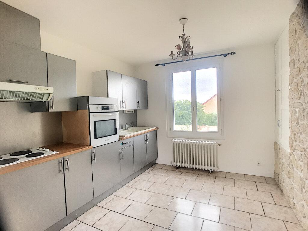 Maison à louer 3 53m2 à La Ferté-Saint-Aubin vignette-2