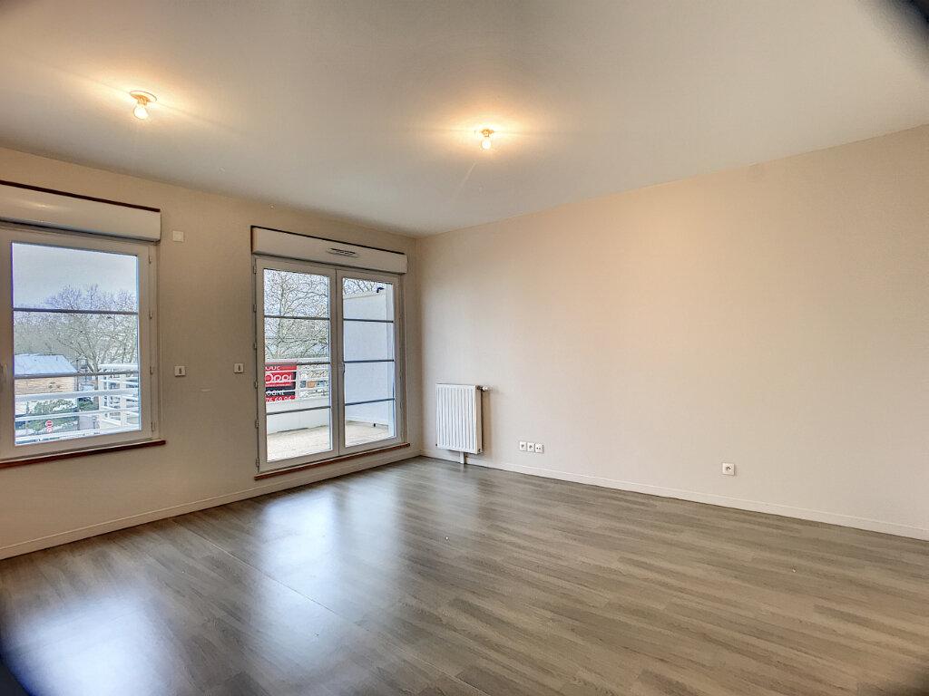 Appartement à louer 2 44.67m2 à Orléans vignette-2