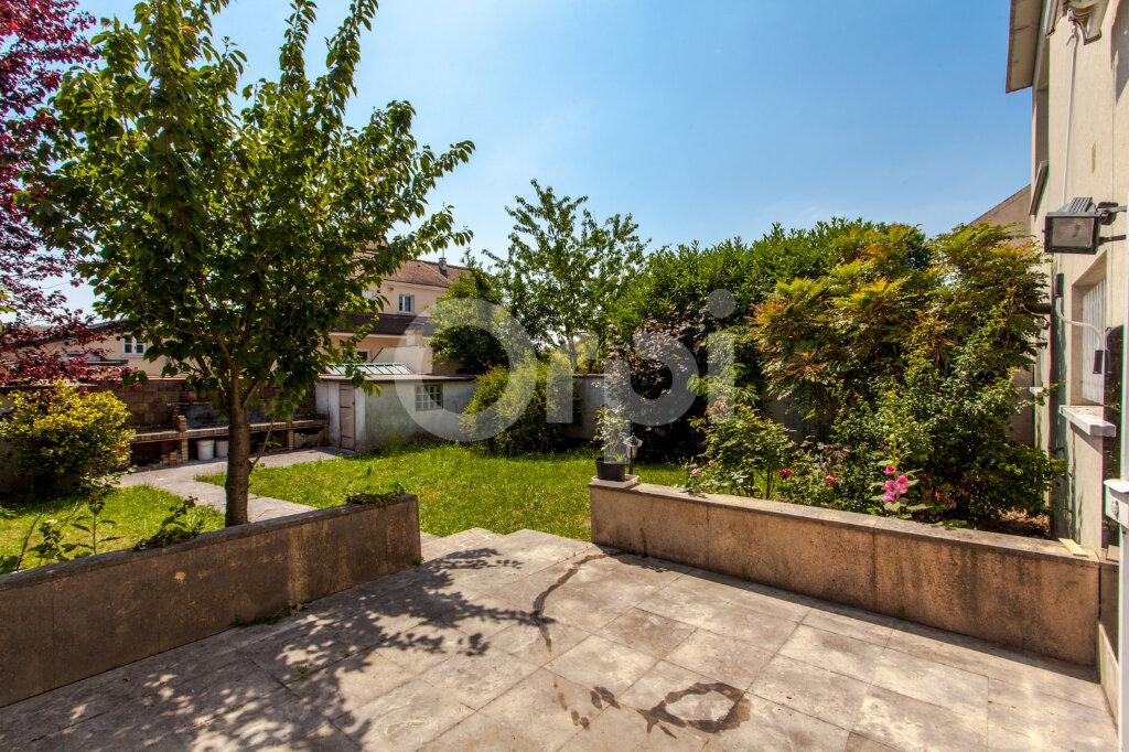 Maison à vendre 8 175m2 à Gagny vignette-10