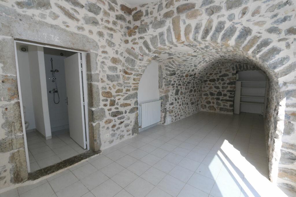 Maison à louer 5 100m2 à Ruoms vignette-10