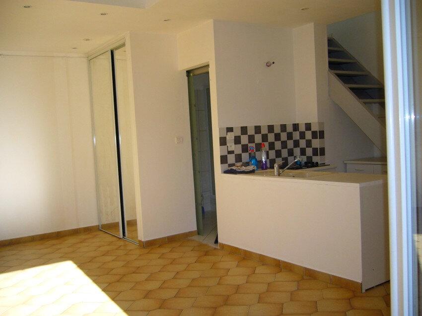 Appartement à louer 2 36m2 à Salavas vignette-1