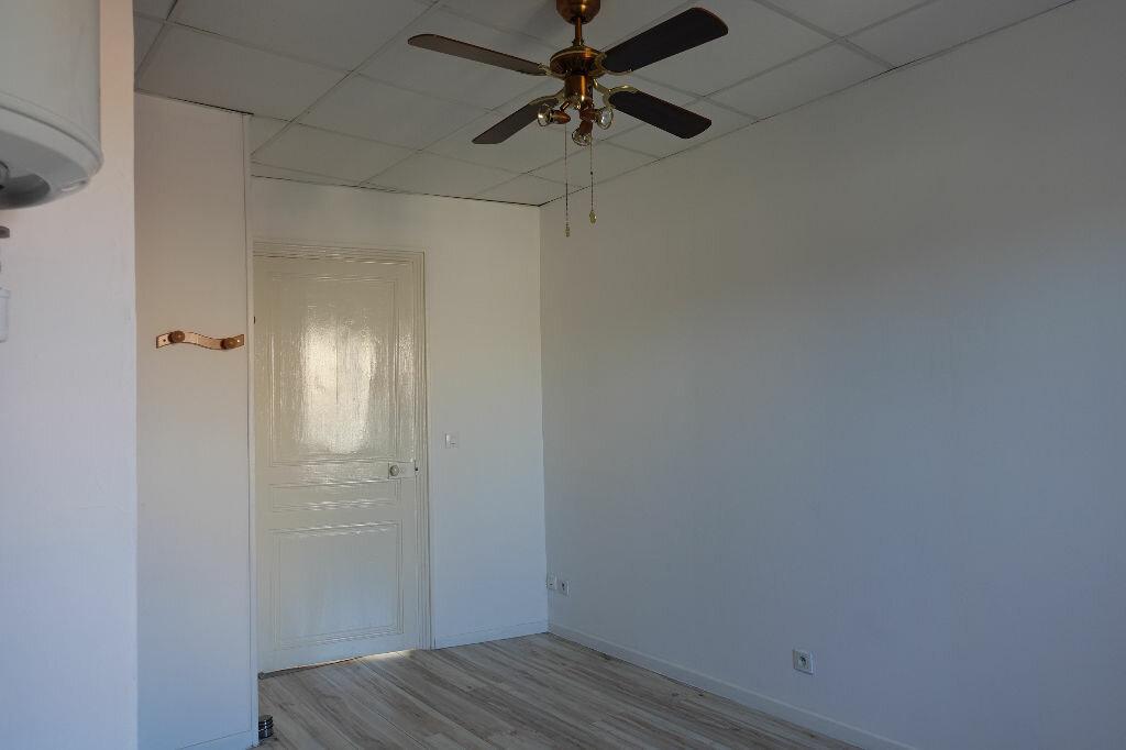 Appartement à louer 3 41m2 à Ruoms vignette-6