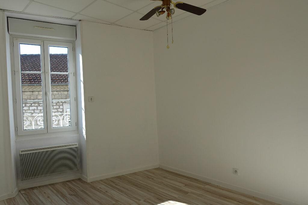 Appartement à louer 3 41m2 à Ruoms vignette-7